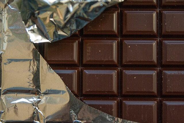 Como o chocolate faz os cães ficarem doentes